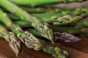 Steak-and-Chops-asparagus---Easter-photo-LenkaLife-photography